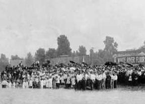 Batismo em 1920 - Rua Azuza