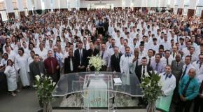 Segundo Batismo em Águas de 2016 - Abril (330 novos membros)