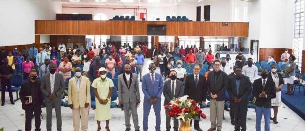Haitianos comemoram 5 anos na IEADJO Shalom