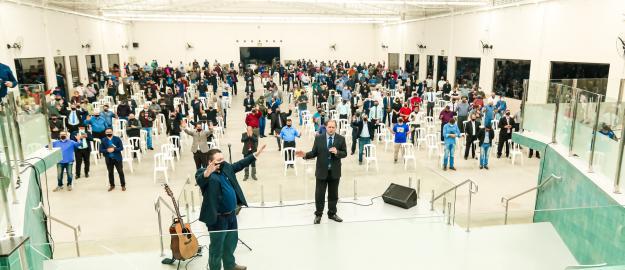 Pastores e dirigentes de congregação participam de reunião no Centreventos da IEADJO
