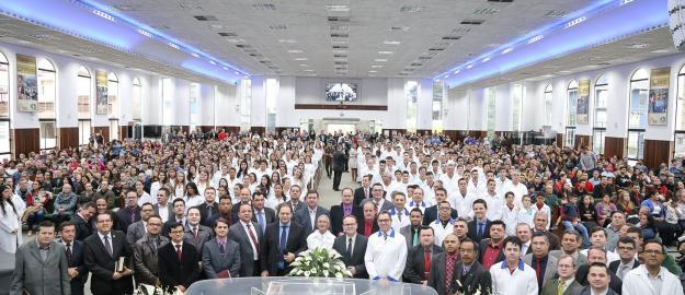 IEADJO realiza batismo de 221 novos membros
