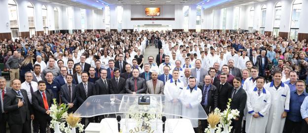 IEADJO realiza batismo de 251 novos membros