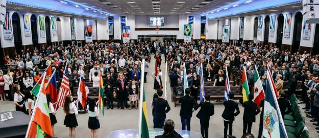 Abertura do 7º Congresso de Discipulado para o Brasil reúne pastores e líderes do país e exterior