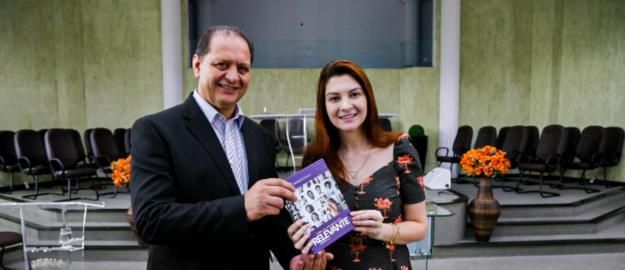 Deputada Ana Caroline Campagnolo palestra para pastores e esposas na IEADJO