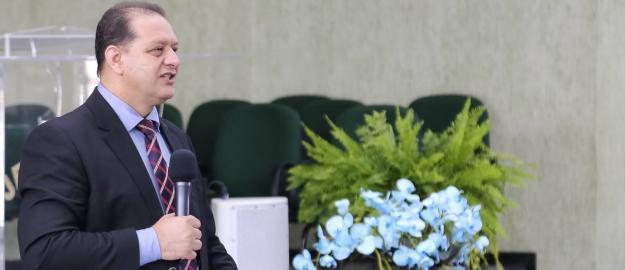 """""""Não posso dizer que amo a Deus se não for fiel a Ele"""", afirma Pastor Sérgio Melfior"""