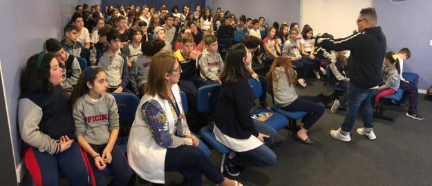 UMADJO/Chi Alpha realiza palestras em escolas e universidades de Joinville